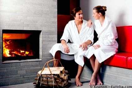 Lauschiges Kaminfeuer und dann im kuscheligen Bademantel chillen